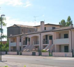 Porto Garibaldi   Piperno Case