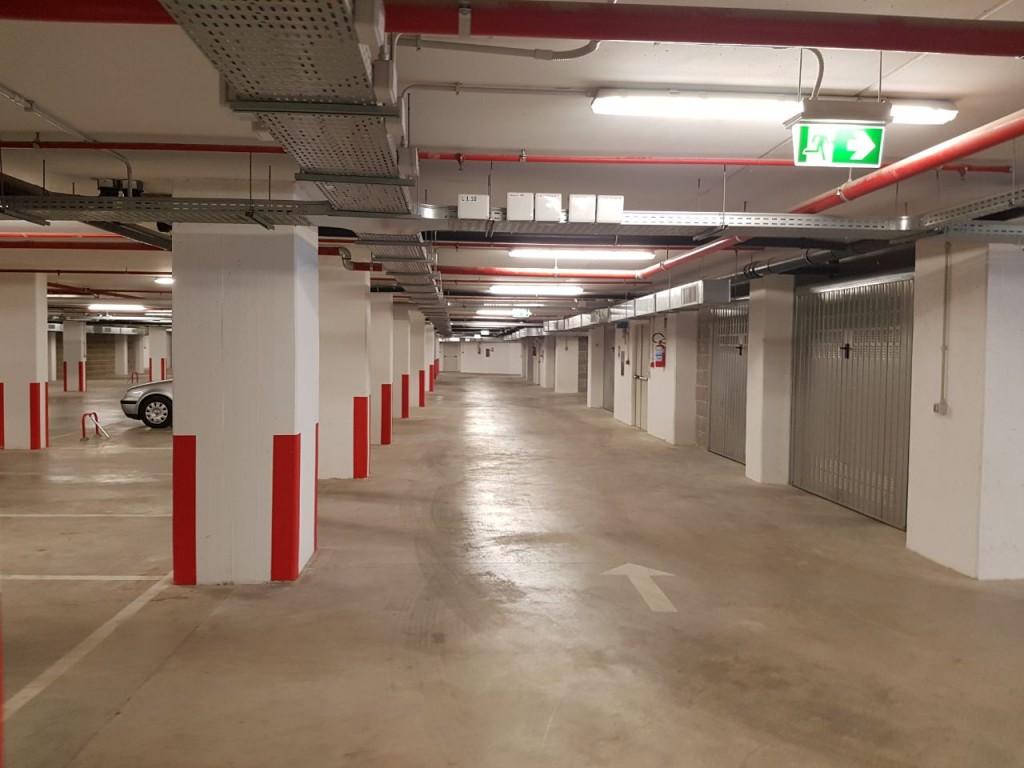 Parcheggio parco galla placidia piperno case - Garage sotterraneo ...